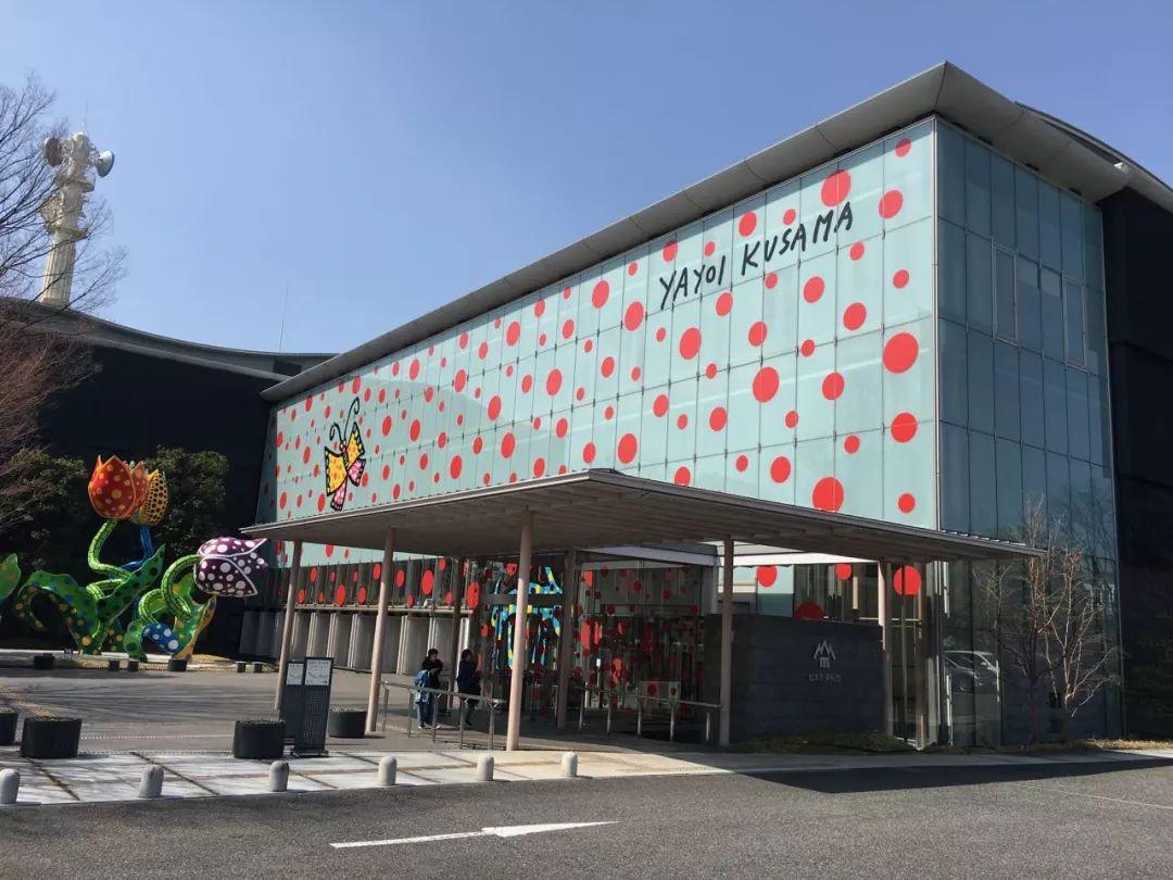 【草间弥生】最新!大型特展《ALL ABOUT MY LOVE》松本市美术馆现场大公开!